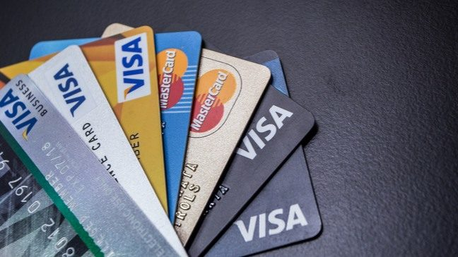 4 Different Types of Credit Cards and Their Uses